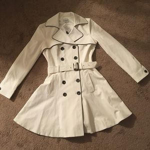 Bebe Doublebreasted Trench coat nwt